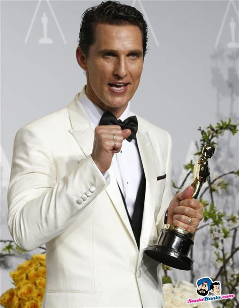 film oscar matthew mcconaughey matthew mcconaughey holds his oscar for best actor for the