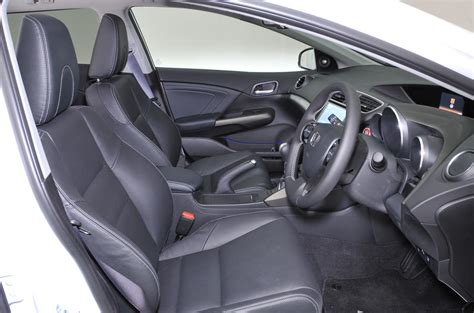 Honda Civic Tourer Interior by Honda Civic Tourer Review 2017 Autocar