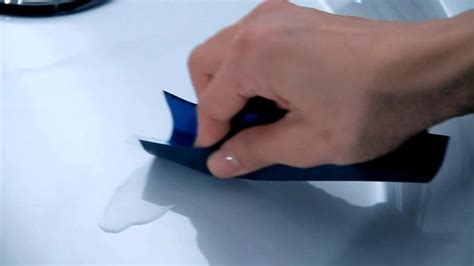 Wie Acryl Polieren by Kratzer Aus Acryloberflaechen Acrylbadewannen Entfernen