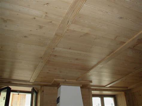 perline in legno per soffitti soffitti in legno idee per il design della casa