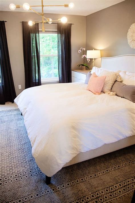 bedroom blog 25 best ideas about apartment master bedroom on pinterest