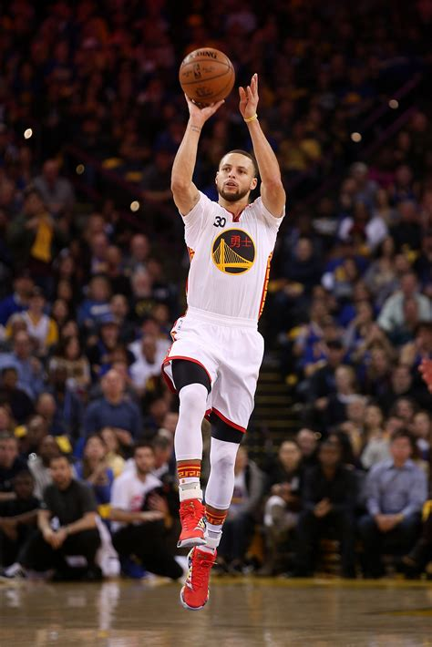 warriors new year meaning stephen curry dazzles as warriors rout clippers sfgate