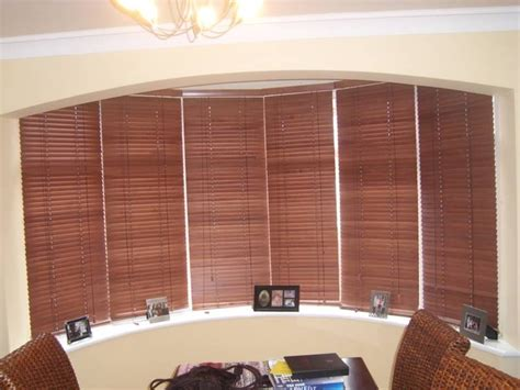 vertical blinds for bow windows wood blinds on bow window homes window bow windows and woods