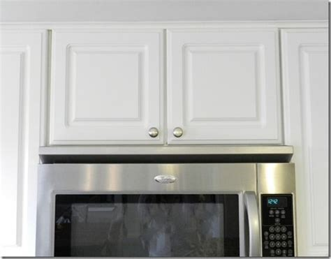 how to clean kitchen cabinets grease cleaning grease off cabinets ideas tips and how to s