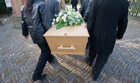 funeral planning decisions 3 things to when