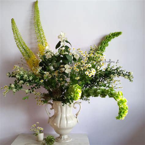 sta fiori un groviglio di fiori scomposti sta sempre l 236 a