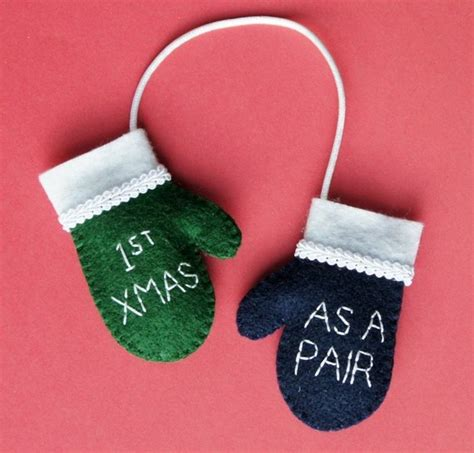 easy christmas gifts for married couples as a pair with initials felt mini mittens