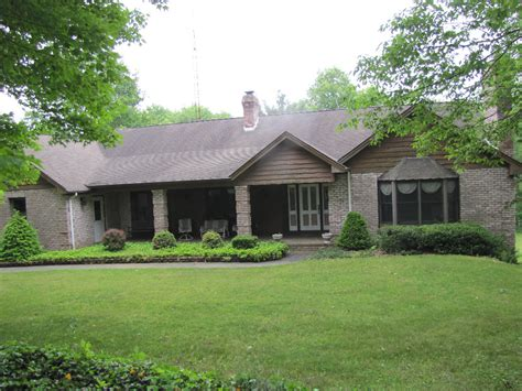 brick ranch house brick ranch home garage 3 acres columbiana co