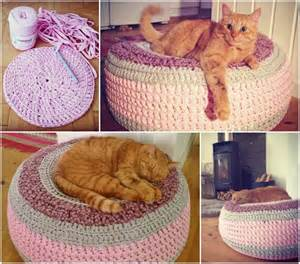cat bed pattern and cuddle crochet cat cave