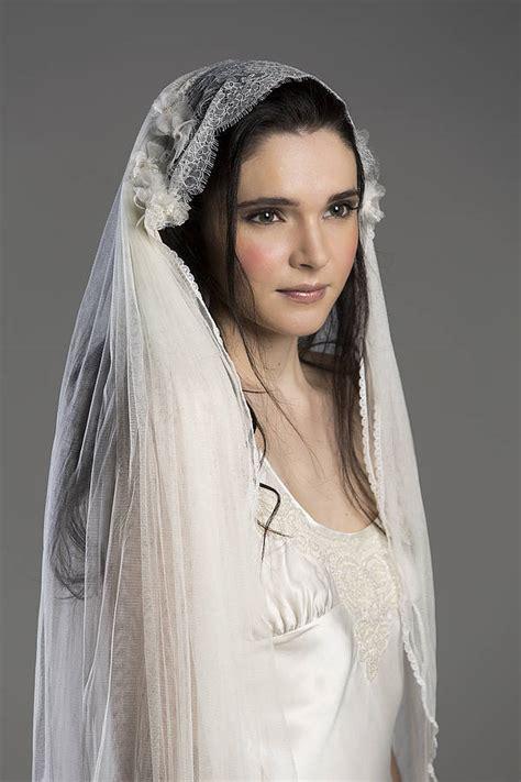 Lace Wedding Veil chantilly lace silk wedding veil by lovebysusie