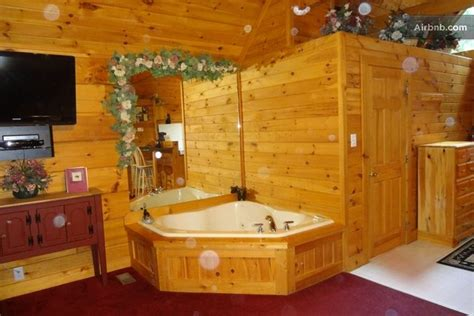 Log Cabin With Indoor Tub by Cozy Log Cabin W In Gatlinburg