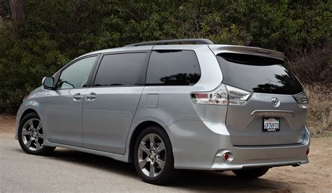 nissan sienna 2016 2016 toyota sienna iii pictures information and specs