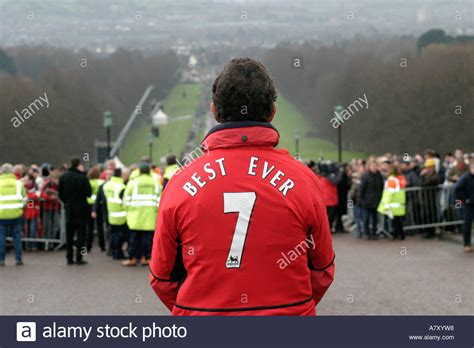 george best funeral fan wearing manchester united best 7 jacket at