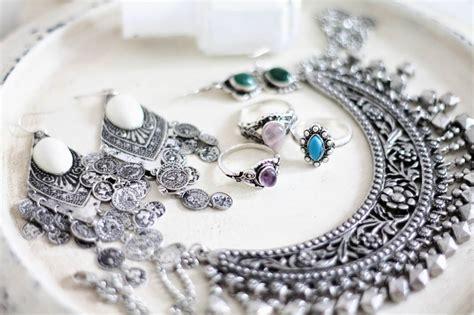 Produk Ukm Bumn Gelang Perak potensi bisnis kerajinan perhiasan perak di pulau bali