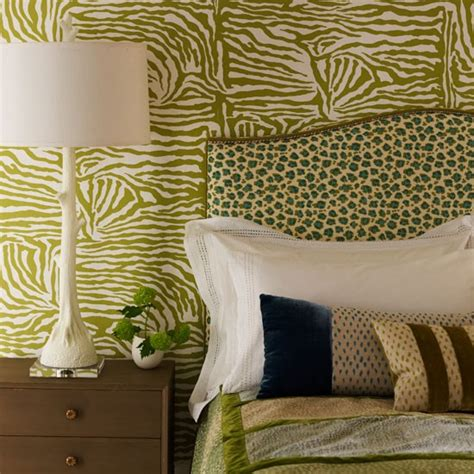animal print bedroom wallpaper colour co ordinate how to decorate with animal print