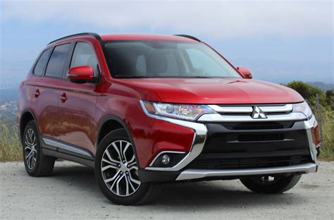 mitsubishi van 2016 why the 2016 mitsubishi outlander is better than a minivan