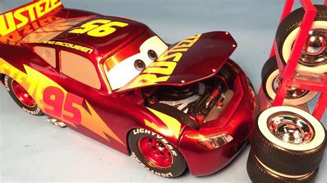 lighting mcqueen cars 3 toys disney cars 3 toys lightning mcqueen racing center diecast