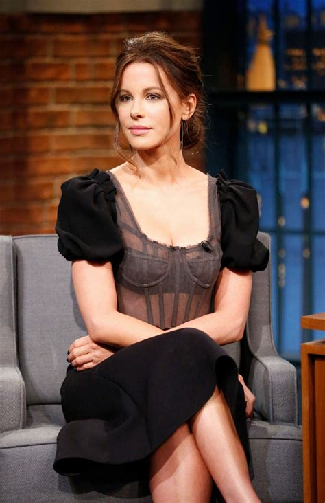 kate beckinsale kate beckinsale at late night with seth meyers in new york