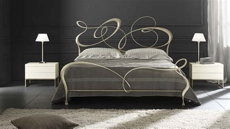 spalliere letto in ferro battuto letto ghirigori cantori blackarchives