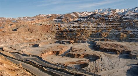 iran in iran goes beyond to sign 5 4bn in mining deals with