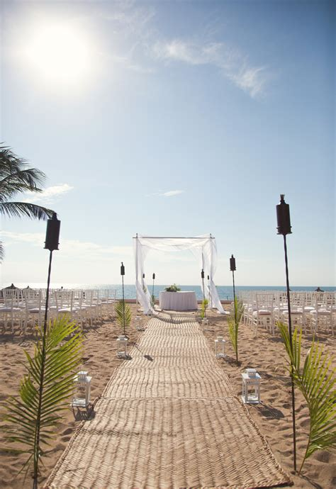Wedding Aisle Lined With Lanterns by Decorate For Wedding 21 Easy Theme Decor Ideas