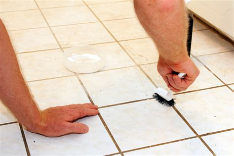 fliesenfugen wasserdicht machen fliesenfugen reinigen