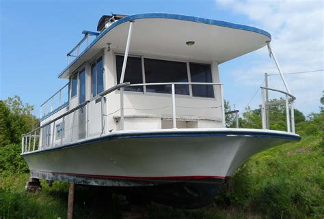 house boats for sale ontario 36 foot houseboat for sale in the lindsay area northeast of toronto ontario canada