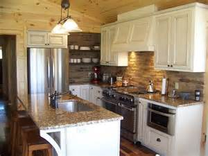 Small Country Kitchen Ideas by Best 25 Small Country Kitchens Ideas On