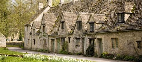 cotswold self catering cottages cotswold cottages lodges for self catering breaks