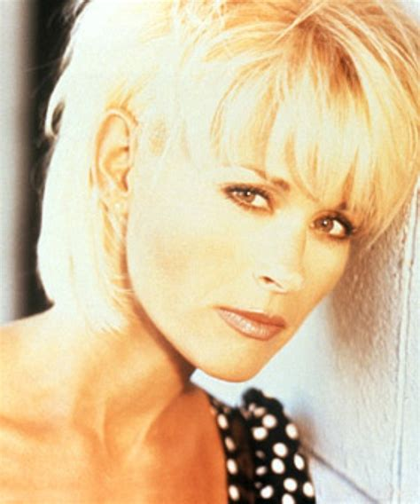 lorrie morgan hairstyles lorrie morgan photos 22 of 31 last fm