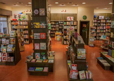 librerias sevilla 5 librer 237 as especializadas de sevilla sevilla secreta