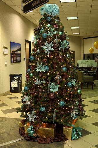 tiffany blue chocolate brown christmastree decorated