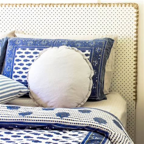 Diy Tufted Headboard Pegboard by The 25 Best Ideas About Pegboard Headboard On