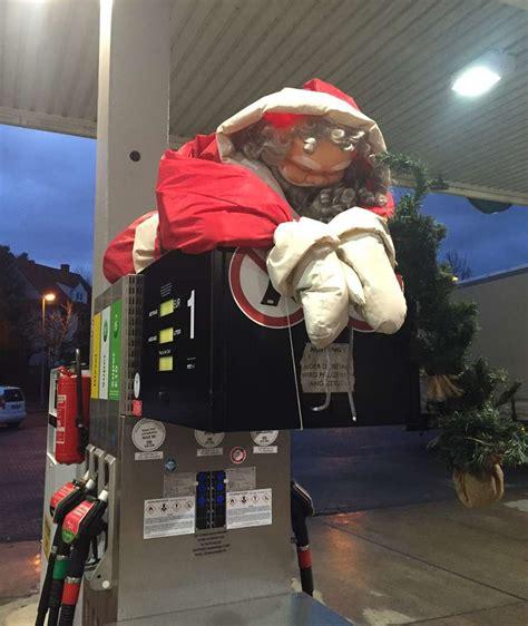 seit wann gibt es den weihnachtsmann hier wird der weihnachtsmann geklaut leipzig bild de