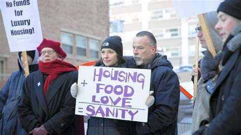 shelters in chicago as uptown shelter slated to community seeks help for homeless chicago tribune