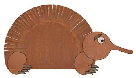 Kangaroo Paper Plate Craft - paper plate echidna craft paper plate crafts