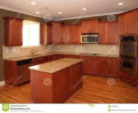 cherry wood kitchen designs 1000 ideas about cherry wood kitchens on pinterest