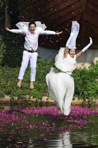Unique Wedding Photos Of And Groom by And Groom Photo Ideas