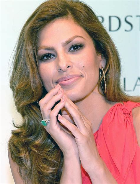 hitch actress eva mendes why everyone is talking about eva mendes emerald ring