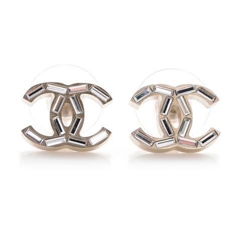 chanel baguette cc earrings light gold 44077