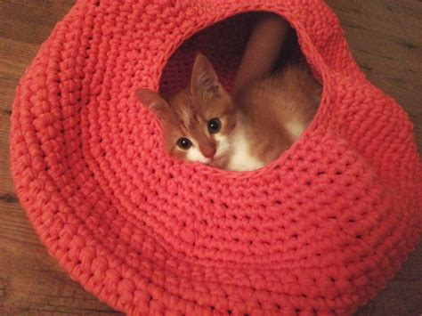 cat bed pattern lily razz crocheted cat nest
