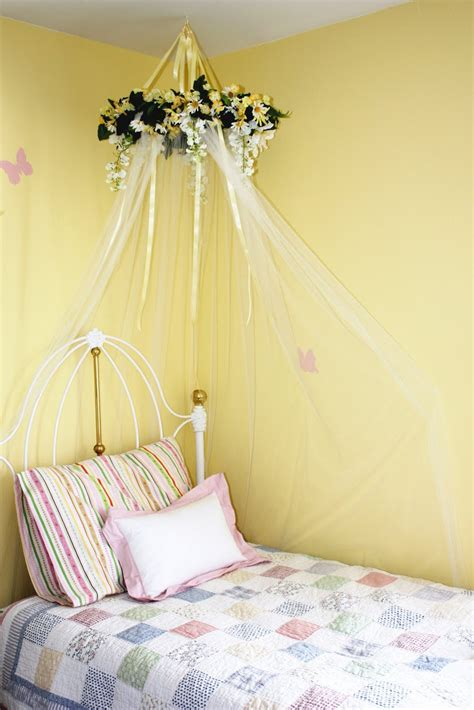 little girl canopy bed everyday art diy bed canopy for little girls room