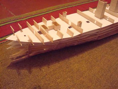 cara membuat miniatur mobil dari kardus bekas cara membuat miniatur kapal dari kardus unik