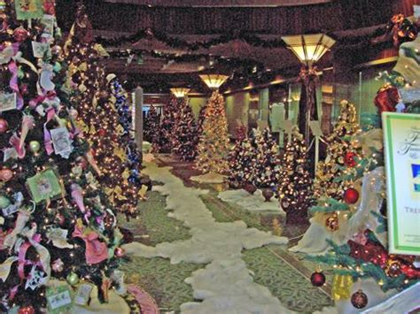 Festival Of Trees And Lights by This Weekend At Sacramento S Westfield Downtown Plaza