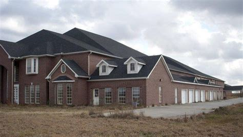 Houses For Rent 5 Bedroom Massive And Odd 46 Bedroom 60 175 Sq Foot Mansion For