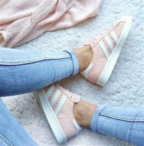 De Las Adidas Neo Alto Tops Zapatos Rosado Blanco Zapatos P 216 by M 225 S De 25 Ideas Fant 225 Sticas Sobre Zapatillas Adidas En