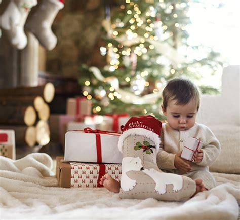 how to take baby frist christmas pictures 5 great idas for celebrating baby s