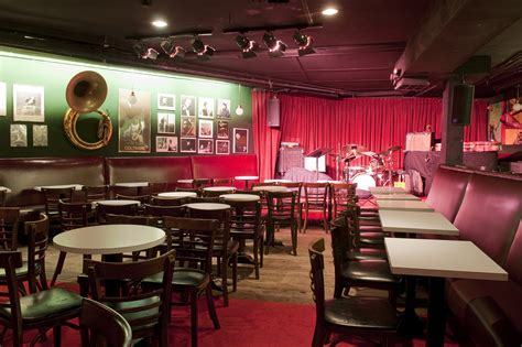 top jazz bars in nyc 14 best jazz clubs in nyc to hear live music