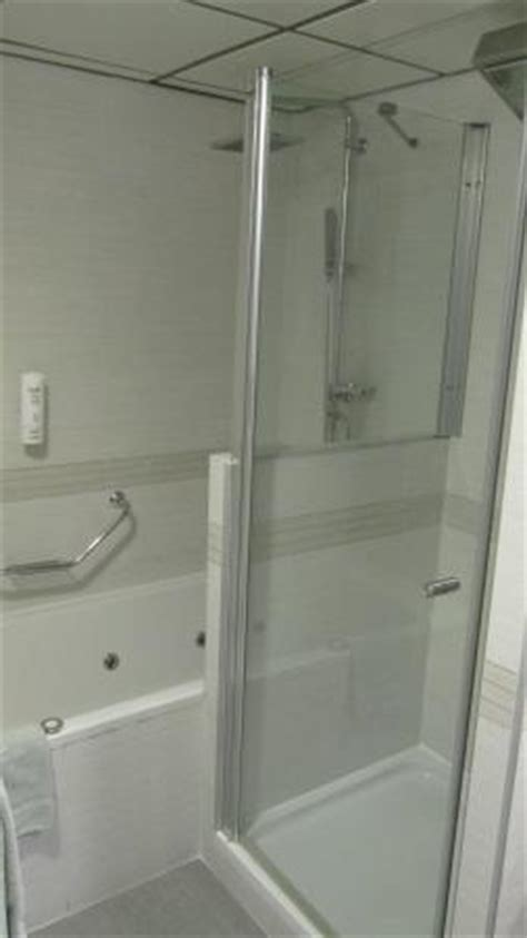 bathrooms and showers direct reviews jacuzzi bath and power shower unit picture of hotel