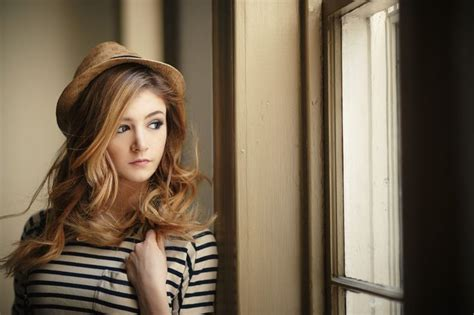 chrissy costanza hairstyles fc chrissy constanza hi my name is tara smith i m 18